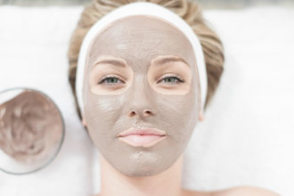 Clay Mask Benefits – Helps With Oily/Dry Skin, Acne And Wrinkles!